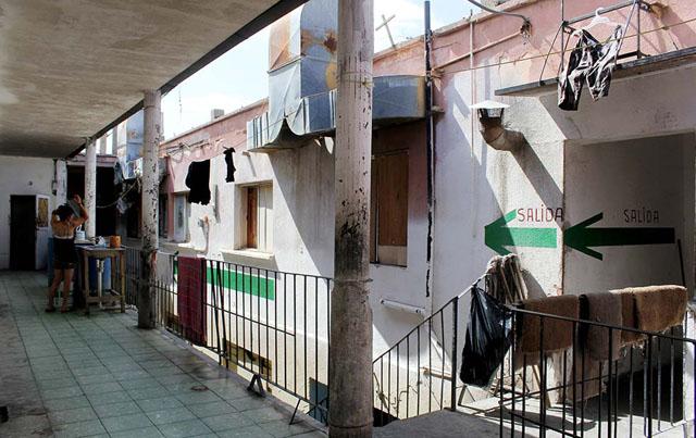 Alicia Fernández | El Diario | Interior de la vecindad ubicada en la calle Melchor Ocampo, utilizada como casa de seguridad por el grupo criminal de tratantes