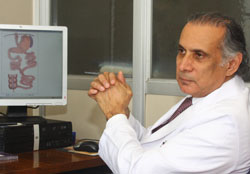 Doctor Munir Alamo (Fuente:UDP)