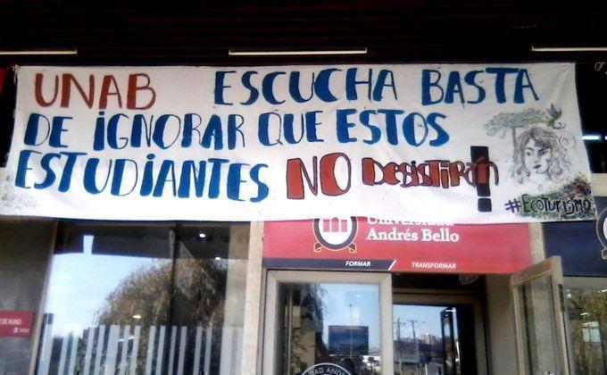Movilización de los estudiantes de la Universidad Andrés Bello