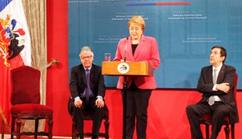 Presidenta Bachelet promulgó la autonomía del SERVEL.