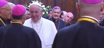 Obispo Juan Barros durante la visita del Papa Francisco