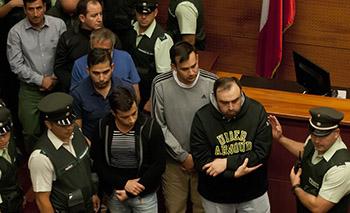 Control de detencion de los 17 detenidos debido a la investigacion por fraude financiero en Carabineros.