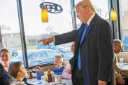 US-GOP-PRESIDENTIAL-CANDIDATE-DONALD-TRUMP-CAMPAIGNS-IN-WISCONSI
