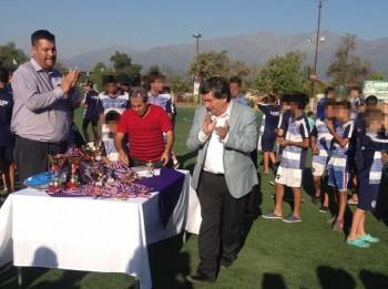 Roberto Martínez junto al alcalde Miguel Ángel Aguilera en una actividad deportiva