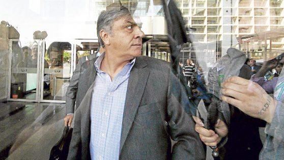 Así operó la máquina que armó Longueira para financiar su actividad política