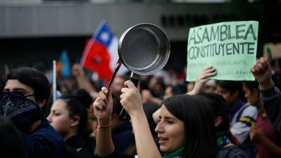 Salida institucional a la crisis: académicos de cuatro universidades proponen plebiscito para Asamblea Constituyente