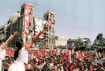 Celebración de la firma del acuerdo en 1993