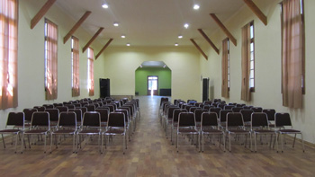 Sala de eventos restaurada.