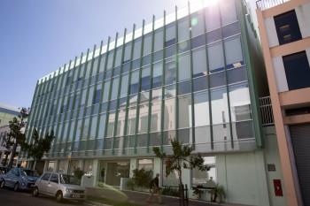 Edificio de Appleby en Bermudas (Foto: Hidefumi Nogami, del Asahi Shimbun, Japón)