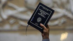 Nueva Constitución: una hoja en blanco con tinta invisible