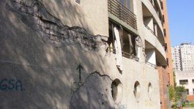 Los edificios dañados que aún penan en Santiago: 200 familias sin casa y en litigio con inmobiliarias