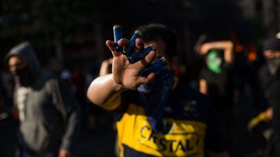 36.000 cartuchos antidisturbios: la compra urgente del Ejército bajo estado de emergencia