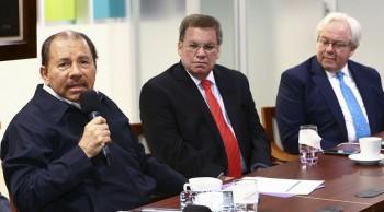 El comandante Daniel Ortega junto al presidente del COSEP, José Adán Aguerri. Foto: Presidencia.