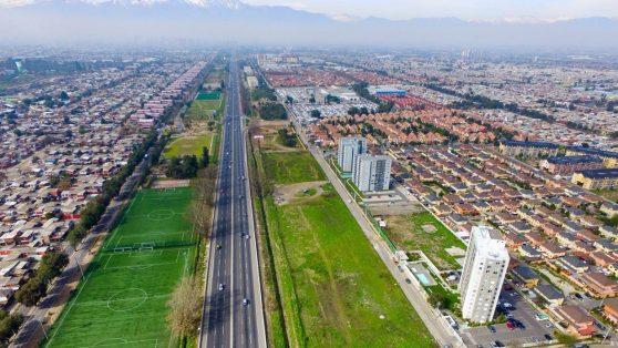 Pudahuel: municipalidad entregó permisos de edificación en terrenos destinados a parques y áreas verdes