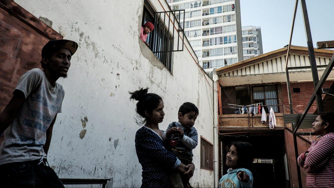 mujer niño inmigrantes