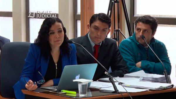 Abogada Marisa Navarrete, cabo Manuel Riquelme y Álex Smith.