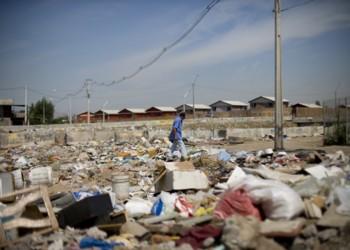En muchas de las zonas ocupadas, los vecinos deben convivir con basurales, sitios eriazos y perros vagos.