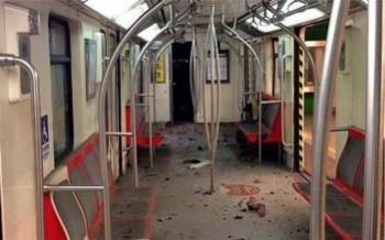 Bagón de Metro tras explosión de bomba en Estación Los Domínicos