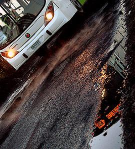 Bus Transantiago en bajada