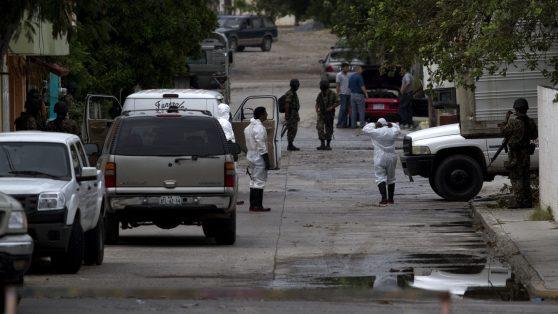 """""""Más de 72"""": Las masacres de migrantes en México"""