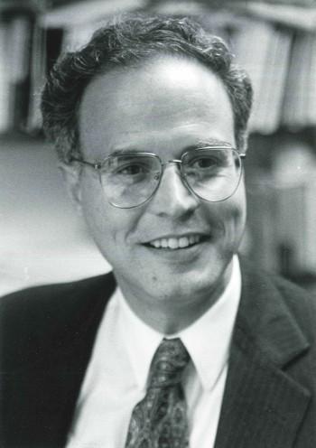 Profesor Jorge Domínguez en diciembre de 1993 (Archivo de la Universidad de Harvard).