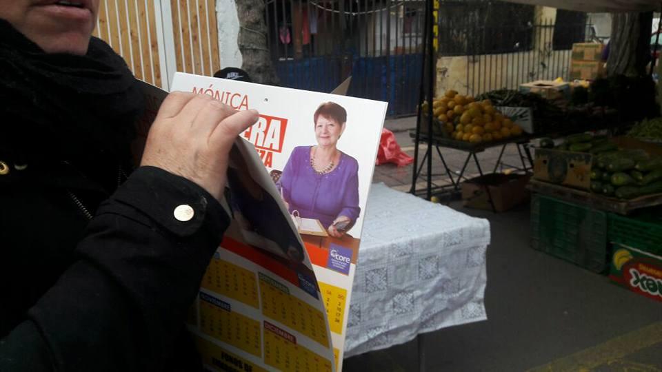 Campaña en feria de San Ramón por candidatura de Mónica Aguilera