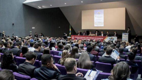 Asociación de juristas evangélicos fundada por ministra de Bolsonaro amplía su lobby en el gobierno brasileño