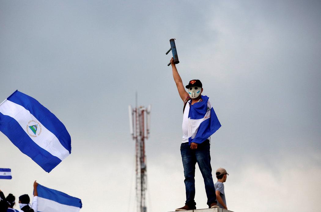 Un manifestante en una protesta contra el presidente Daniel Ortega el 26 de mayo en Managua, Nicaragua (Fuente: nytimes.com)