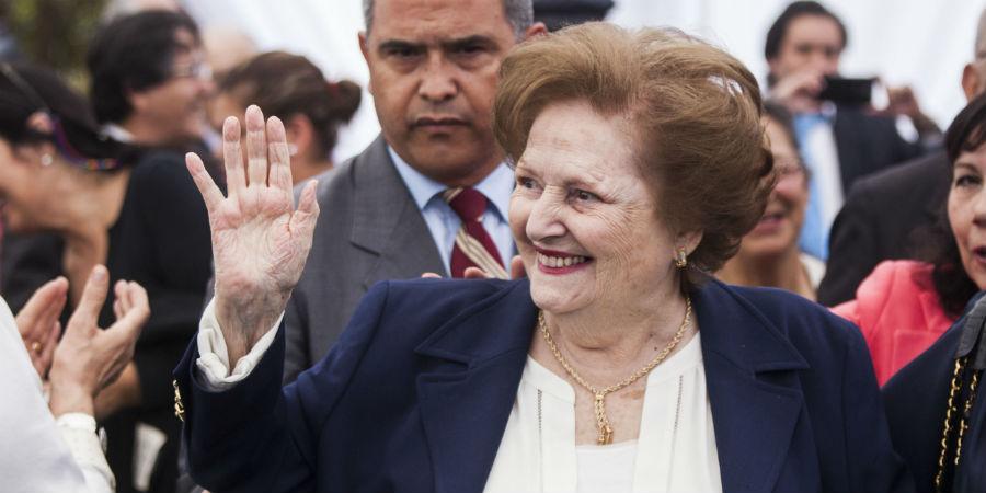 Los negocios de Lucía Hiriart: el desconocido multirut de la Fundación CEMA