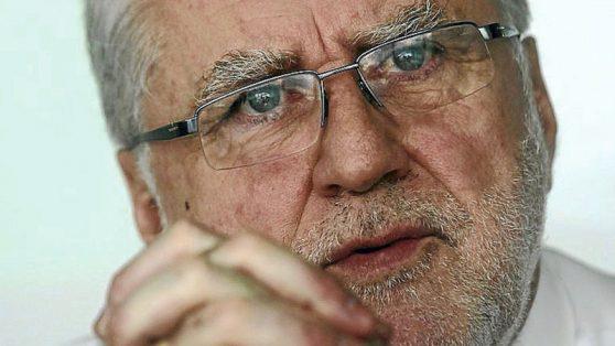 Transmisión eléctrica: La apuesta del gobierno de Piñera que hoy impulsa un ministro socialista