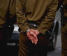 Paco-ladrón: Delincuentes de uniforme