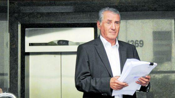 """El rol clave que jugó Roberto León en la guerra de Ponce Lerou con """"Fra Fra"""" Errázuriz"""