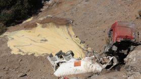 Derrame tóxico de camión de Anglo American pone en riesgo agua potable del sector oriente de Santiago