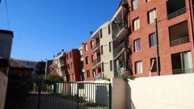 Con seguros de damnificados se repara la mayoría de los 24 edificios dañados por el terremoto en Santiago