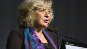 Directora de CIPER gana Premio de Periodismo Embotelladora Andina.