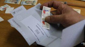 """Abogado Fernando Atria: """"El voto voluntario protege al que no quiere votar por lata"""""""