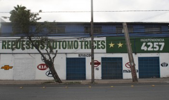 Repuestos Automotrices, Independencia 4257 (Conchalí).
