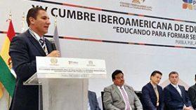 Alcalde de San Carlos viaja a México a recibir doctorado que reparte un oscuro organismo