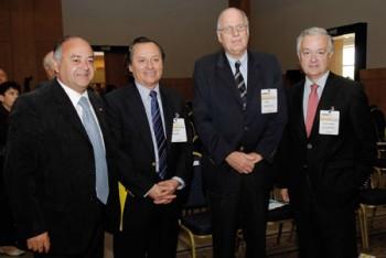 Diputado Jorge Ulloa con directores Asipes Alberto Romero, Jan Stengel y Domingo Jiménez en 2010.