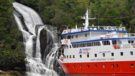 Municipalidad de Temuco gastó $100 millones en capacitaciones a bordo del Crucero Skorpios