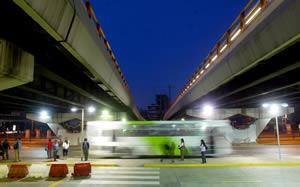 Bus transantiago bajo paso nivel