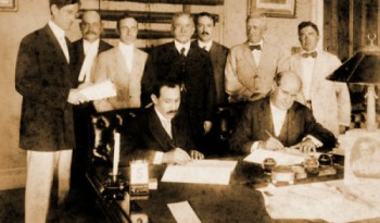 Firma del Tratado Chamorro-Bryan.