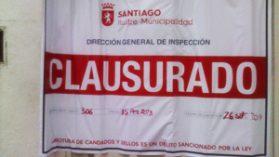 Municipalidad de Santiago clausura sede de Medicina de la Universidad Pedro de Valdivia