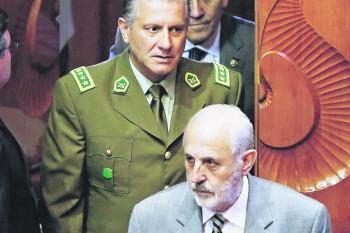 El general director de Carabineros, Bruno Villalobos, y el Fiscal Nacional, Jorge Abbott